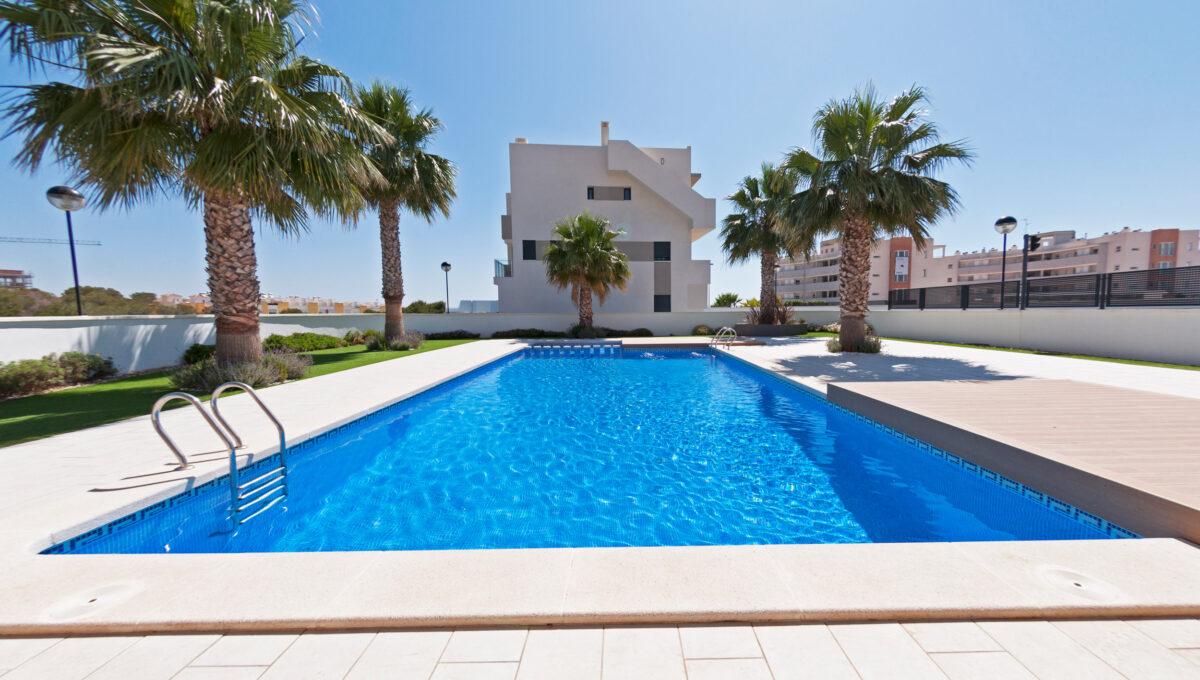 la-zenia-beach-ii-garden-houses-for-sale-in-la-zenia-spain_o_1d33u02k81119b46c82g771l9k22